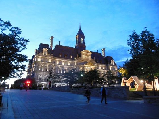 O belo prédio da prefeitura de Montreal