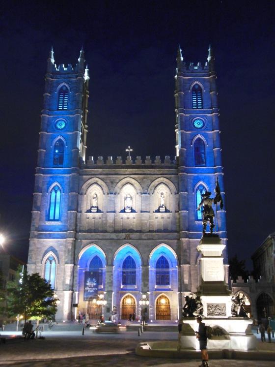 Notre Dame iluminada