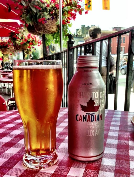 Pausa para a Molson Canadian