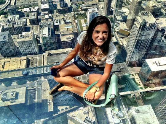 Flutuando no skydeck, na Wilis Tower