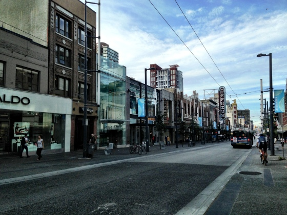 Granville Street, o lugar das pechinchas
